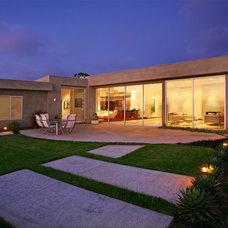 Modern Exterior by Craig McIntosh AIA