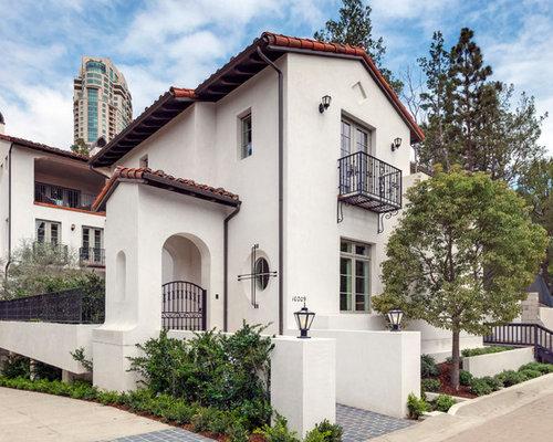 Mediterranean Home Design, Photos & Decor Ideas in Los Angeles