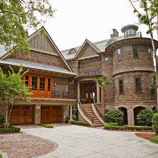 Ispirazione per la facciata di una casa vittoriana con rivestimento in mattoni