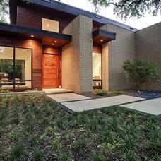 Contemporary Exterior by Greico Designers/Builders Dallas