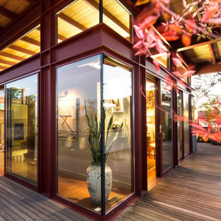 Design ideas for an asian exterior in Los Angeles.
