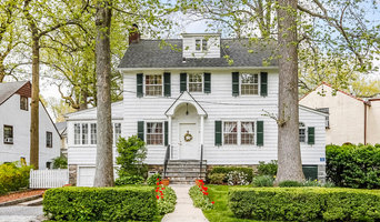Charming Larchmont Colonial