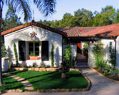 Marvelous Mid Sized Tuscan White One Story Stucco Exterior Home Photo In Santa Barbara