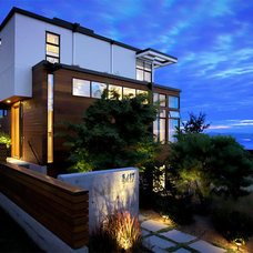 Contemporary Exterior by Studio Ectypos