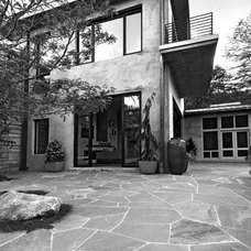 Modern Exterior by Summerour Architects