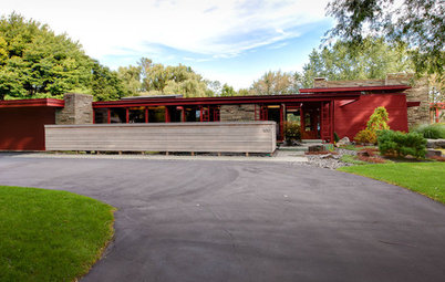 Houzz Tour: Major Renovations Aid a Usonian Home