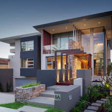 Contemporary Exterior by City Beach Builders