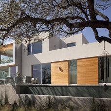 Modern Exterior by Dick Clark + Associates