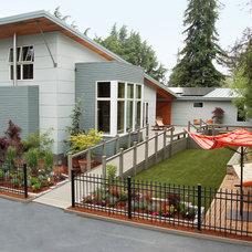 Contemporary Exterior by Clarum Homes