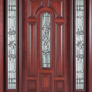 Foto de fachada tradicional de tamaño medio