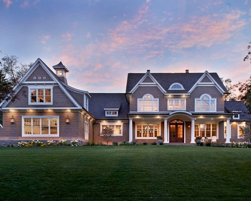 Classic shingle style house for Classic shingles