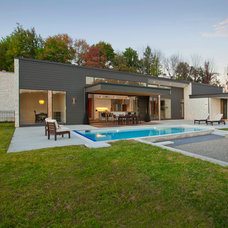 Modern Exterior by RVP Photography