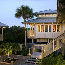 Tropical Exterior by Clifford M. Scholz Architects Inc.