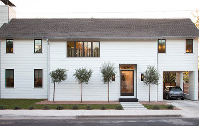 Houzz Tour: A Modern Take on a Traditional Texas Farmhouse