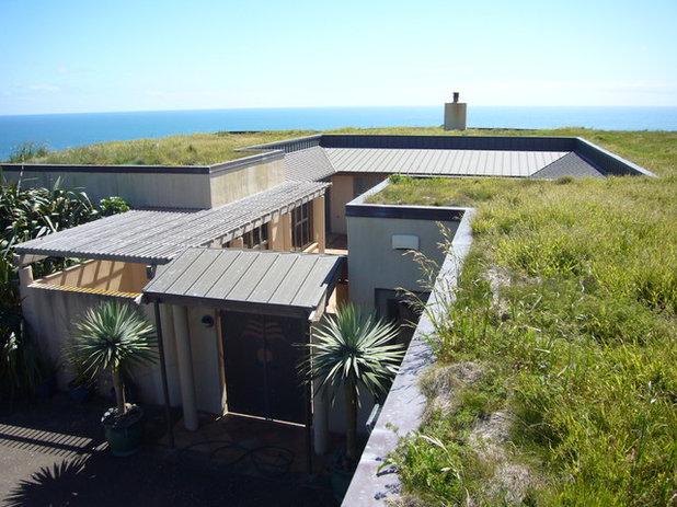 Modern Exterior by Schulze Poursoltan Architects