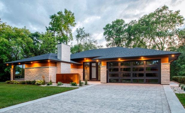 Modern Exterior by Clopay