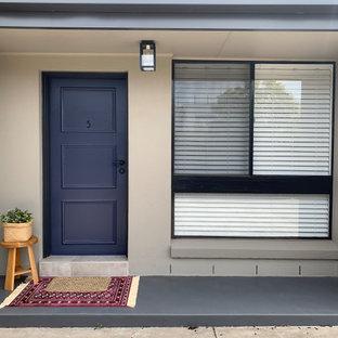 メルボルンの小さいコンテンポラリースタイルのおしゃれな家の外観 (漆喰サイディング、アパート・マンション) の写真