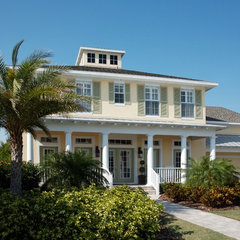 traditional exterior by Peridot Decorators, Inc.