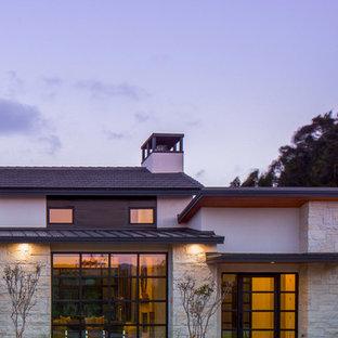オースティンのコンテンポラリースタイルのおしゃれな家の外観の写真