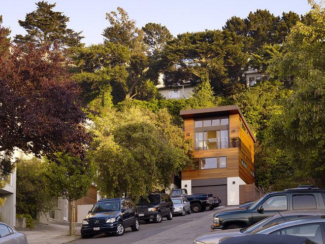 Contemporary Exterior by John Maniscalco Architecture