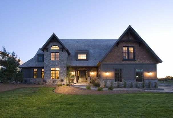 Traditional Exterior by Geometra Design Ltd.