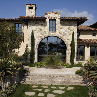 Colombatto Bluff Residence
