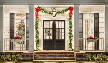 15 Welcoming Front Doors and Entryways