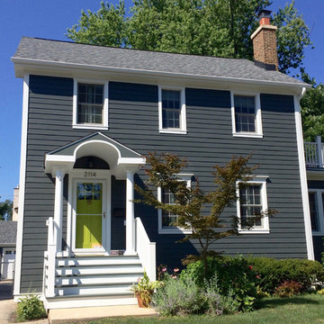 Colonial Home Iron Gray Siding in Wilmette, IL