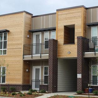 Esempio della facciata di un appartamento moderno con rivestimento in metallo