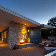 Modern Exterior by mark lind, sun+stone design