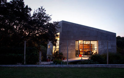 Houzz Tour: Textured Concrete Studio in Texas
