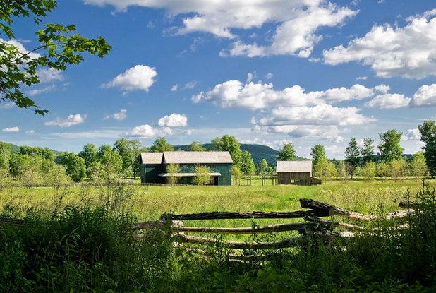 Farmhouse Exterior by Demetriades + Walker