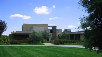Contemporary Bluff Residence