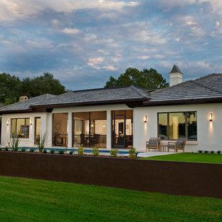Tropical exterior home idea in Orlando