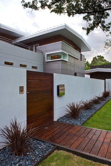 Contemporary Exterior by CRFORMA DESIGN:BUILD