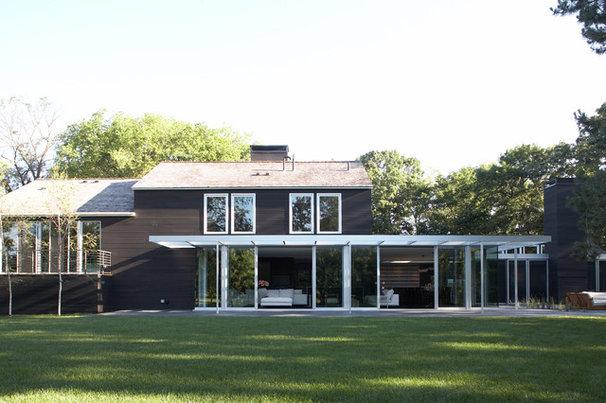 Contemporary Exterior by Streeter & Associates, Inc.