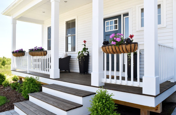 Transitional Exterior by Design Fixation [Faith Provencher]