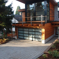 contemporary exterior by Mark Rostad, Bear Creek Special Projects
