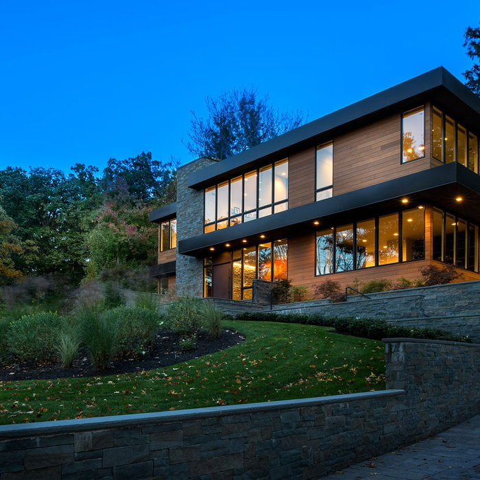 Contemporary House in Englewood (Bergen County, NJ)