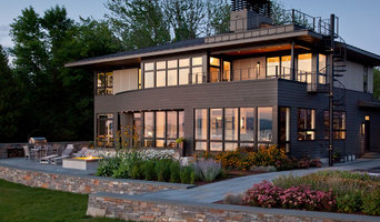 Contemporary Lakefront