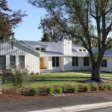 Contemporary Ranch style Home