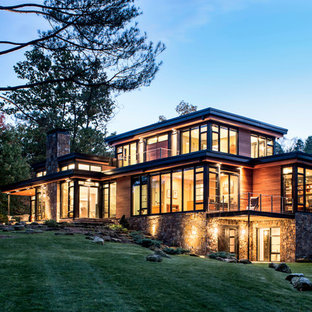 Large modern exterior home idea in Cleveland