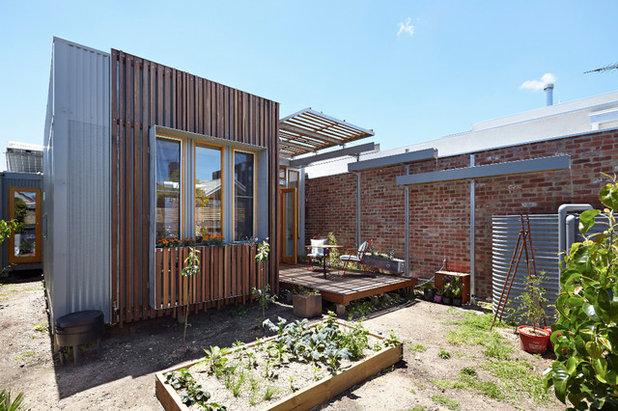 Contemporary Exterior Convertible Courtyards House