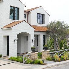 Traditional Exterior by Garden Studio