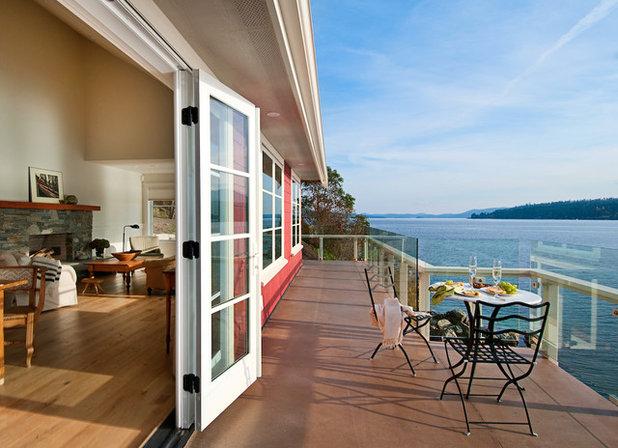 Craftsman Exterior by jodi foster design + planning