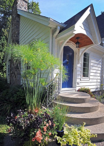 Transitional Exterior Cottage portico