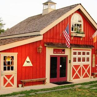 ワシントンD.C.の中くらいのカントリー風おしゃれな家の外観の写真