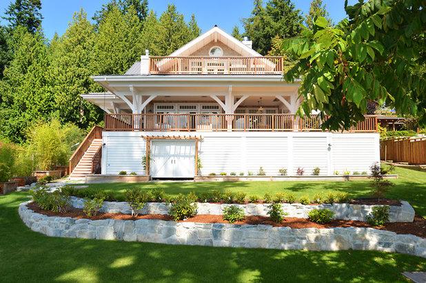 Beach Style Exterior by Sunshine Coast Home Design