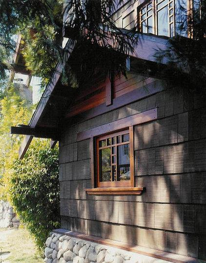 Craftsman Exterior by Shigetomi Pratt Architects, Inc.