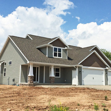 Craftsman-Style 1 1/2 Story New Construction Home